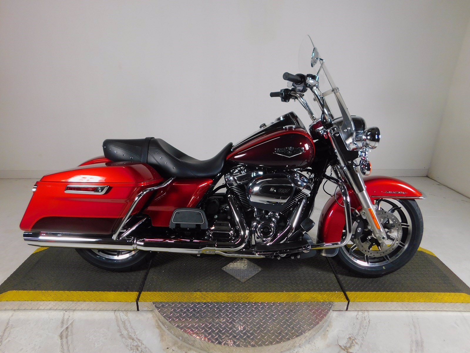 New 2019 Harley-Davidson Road King FLHR