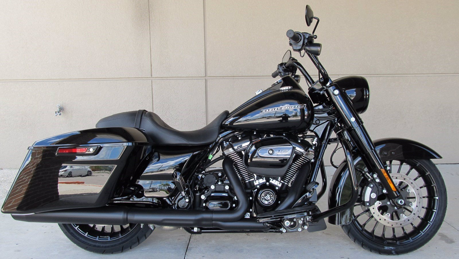 Prime New 2019 Harley Davidson Road King Special Flhrxs Touring In Alphanode Cool Chair Designs And Ideas Alphanodeonline