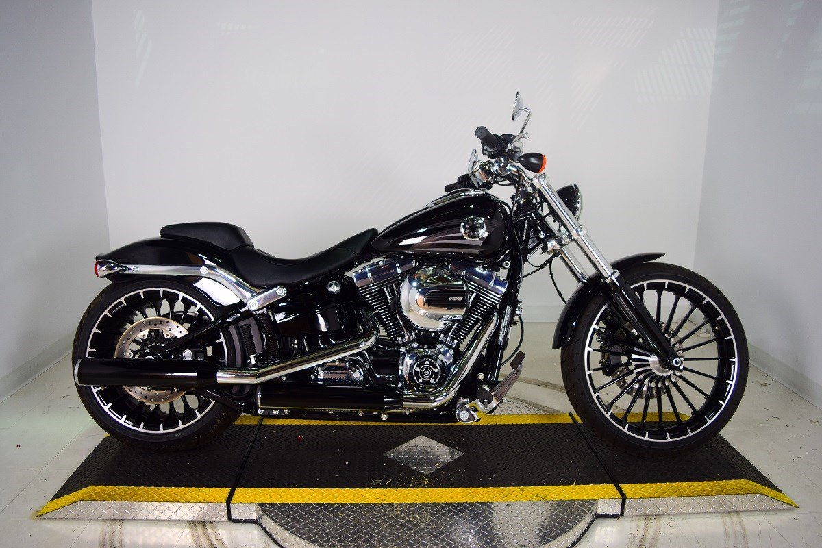 Pre-Owned 2017 Harley-Davidson Softail Breakout FXSB Softail in ...