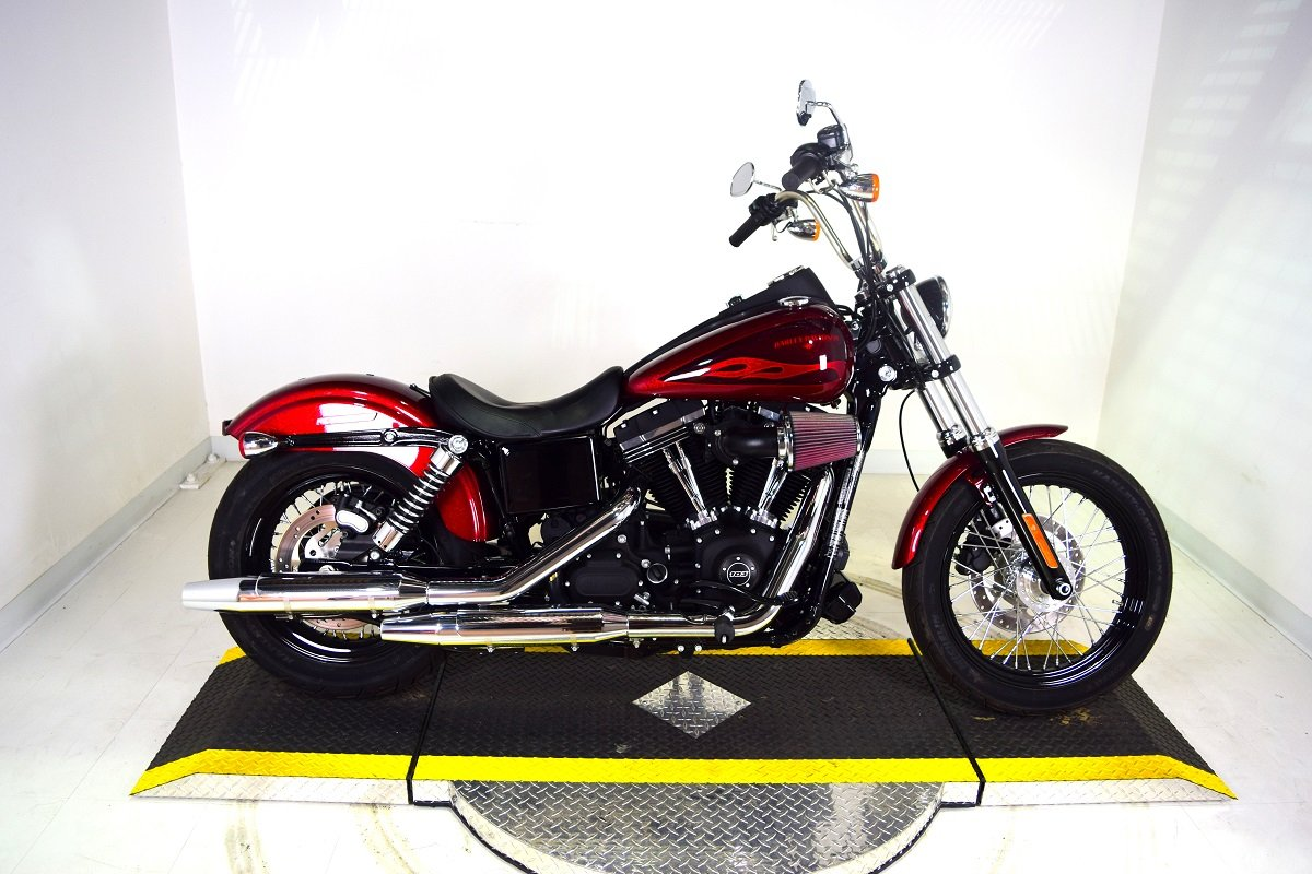 pre owned 2017 harley davidson dyna street bob fxdb dyna in riverside u303645 riverside. Black Bedroom Furniture Sets. Home Design Ideas