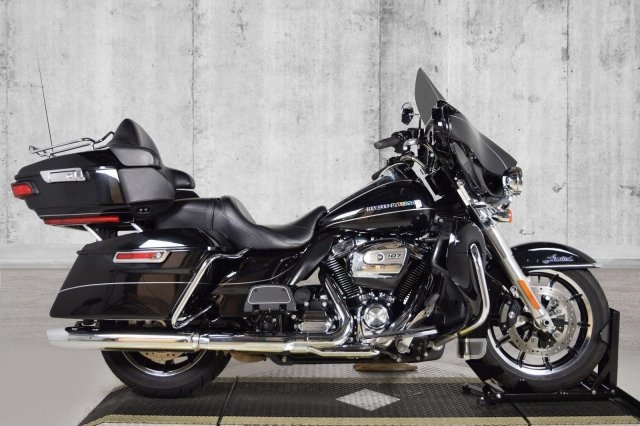 Pre-Owned 2017 Harley-Davidson Ultra Limited FLHTK Touring in