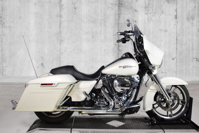 Pre-Owned 2014 Harley-Davidson Street Glide Special FLHXS