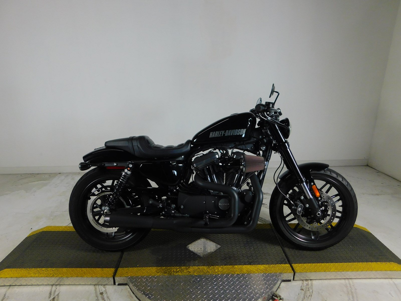 Pre-Owned 2016 Harley-Davidson Sportster Roadster XL1200CX