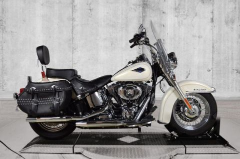 Pre-Owned 2015 Harley-Davidson Softail Heritage Classic FLSTC